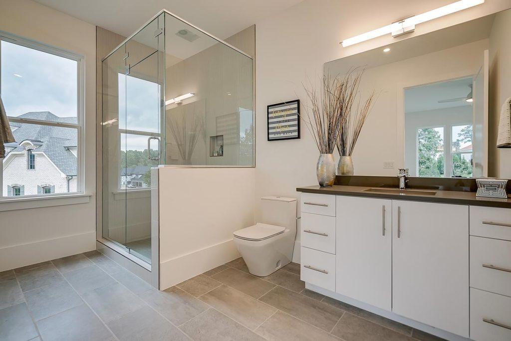 Modern master bathroom with quartzite countertop