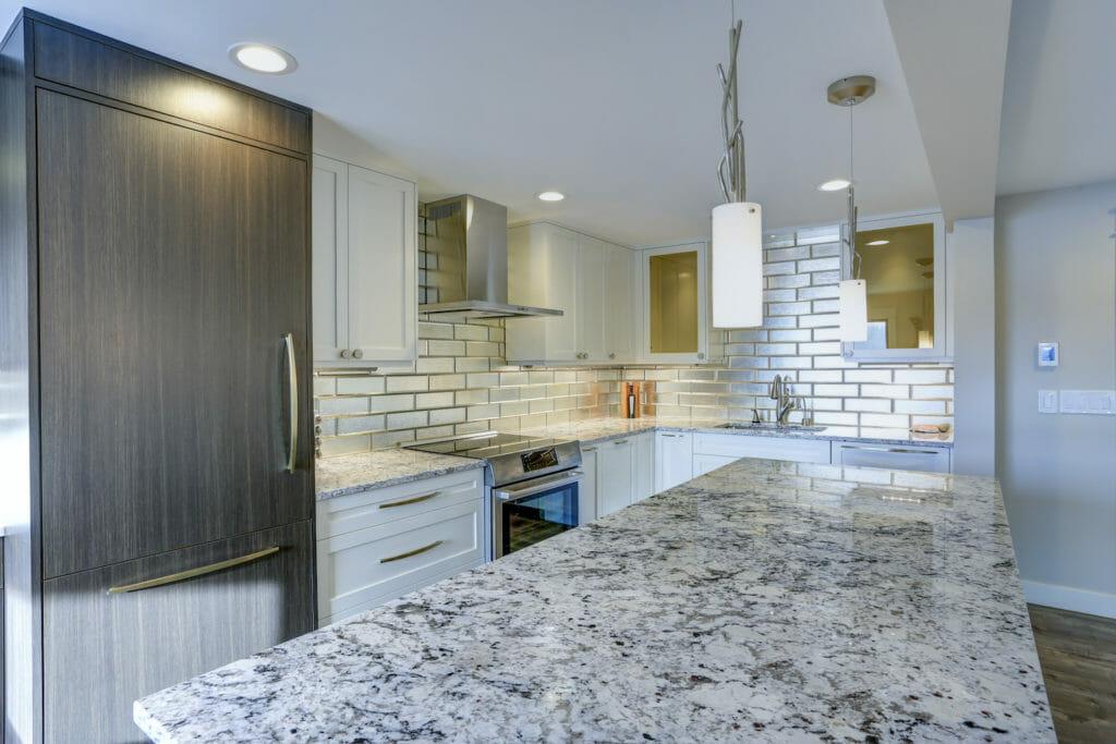 Pros & Cons of Quartzite Countertops & Vanity Tops